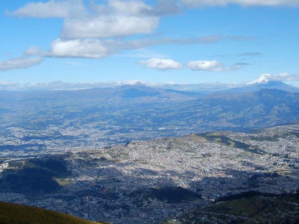 Nonstop Flights Dallas To Quito Ecuador 423 433 R T